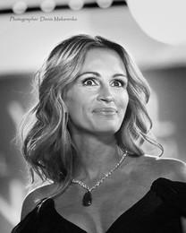 Самая красивая женщина мира по версии журнала People / Джулия Робертс в пятый раз становится самой красивой женщиной мира по опросу читателей еженедельника People.