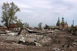 Войну хижинам, дорогу дворцам / В городе идёт переселение из старых бараков и территории освобождают для новых домов.