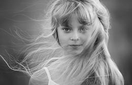 Колокольчик в её волосах. / модель: Арина.