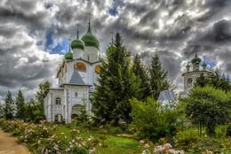 Николо-Вяжи́щский женский монастырь / лето, Николо-Вяжи́щский женский монастырь, Новгородская обл.