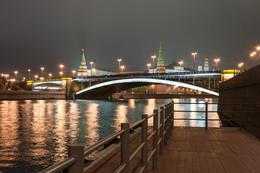 Вечерний город / Набережная Москвы реки