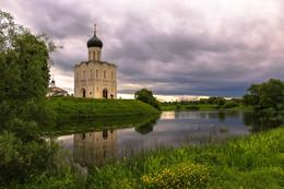 Церковь Покрова на Нерли. / ***
