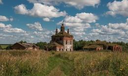 Крестовоздвиженская церковь и церковь св.Николая в с.Вышеславское. / ***