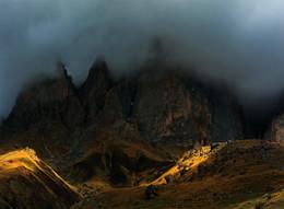 Во мраке дня / Кавказ