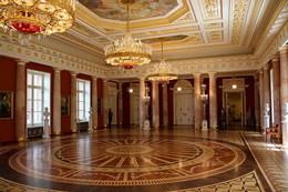 "Залы ""Царицыно"" / Госуда́рственный исто́рико-архитекту́рный, худо́жественный и ландша́фтный музе́й-запове́дник «Цари́цыно»"