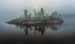 Туманный день на Ладоге / Карелия. Ладожское озеро. Лето, 2017 года. Набираю группу в путешествие на золотую осень. Подробности здесь https://vk.com/topic-69994899_35719057 (контакт) и https://www.facebook.com/groups/1755505914709044/ (фейсбук).