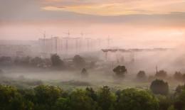 Город.Пробуждение. / Сентябрьский утренний туман в городе