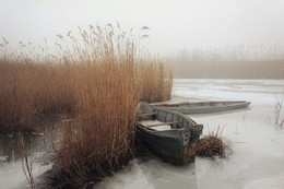 Когда лодки ждут / Зимний туманный день на реке