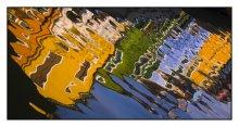 Краски жизни Италии / Отражение домиков на острове Бурано, рядом с Венецией