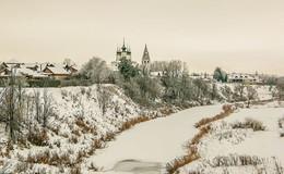 Вид на Свято-Александровский мужской монастырь города Суздаля. / ***
