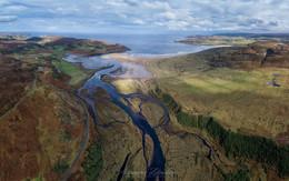 Залив Торрисдейл и река Боргие / Шотландия. Дронопанорама