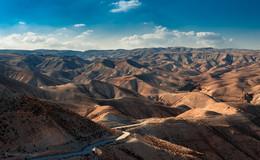 Иудейские песчаные холмы... / Иудейская пустыня. Иерусалим, Израиль.