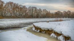 «Десна» / Прогулка по берегам Десны. Пошла шуга, совсем скоро встанет лёд.