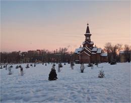 при закатном свете / храм Успения Богородицы,Самара