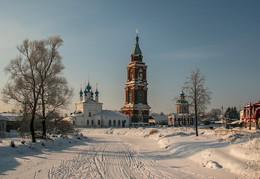 Церковь Покрова Пресвятой Богородицы в Юрьеве-Польском. / ***