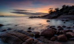 Сонная бухта / На рассвете в Сонной бухте. Она так на карте и называется - Sleepy Bay. Национальный парк Фрейсинет, остров Тасмания