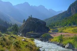 Утро в горах / Конец лета в верховьях Чиринкола
