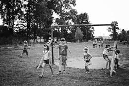 на футбольном поле / дети вишнёвой улицы