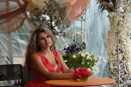 Елена / Девушка в летнем кафе