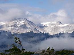 Cerro Monumento Moore / Горы на юге Чили