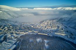 Без названия / Кировск. Низкие облака над горной долиной.