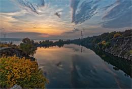 Первый луч / Снято с обрыва Кодакского карьера на правом берегу Днепра.