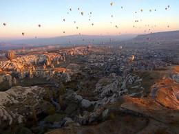 долината с балоните-Кападокия / долината с балоните-Кападокия