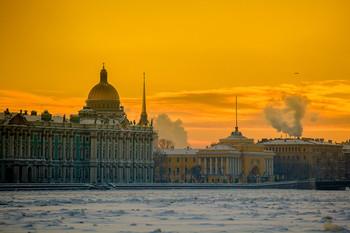 Теплый зимний город / Вид с Невы на Зимний дворец и Адмиралтейство