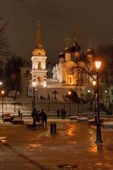 Храм святого равноапостольного князя Владимира в Старых Садех / Ночная Москва