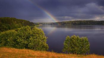 «Начало радуги» / озеро Михайловское, лето 2015
