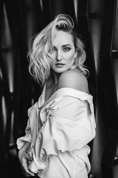 Без названия / портрет для очаровательной Екатерины  фото, волосы: Марина Щеглова  локация: ЧЕРДАК. Интерьерная фотостудия в Омске.