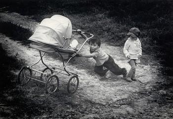 Трудное детство / Скан с выставочной работы-ручная фотопечать аналоговая