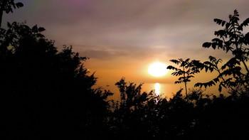 Прощальные аккорды уходящего дня... / Из серии Анапские закаты
