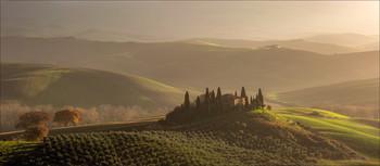 Утренний свет Бельведере / Знаменитая вилла Бельведере в Сан-Квирико д'Орча Тоскана