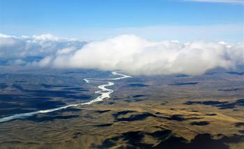 Белая река / р. Витим, Иркутская область. Весна.