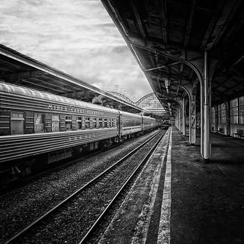 Железнодорожная пятница / Вокзал, несгораемый ящик Разлук моих, встреч и разлук, Испытанный друг и указчик, Начать - не исчислить заслуг.  Б.Н. Пастернак