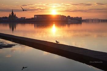 Безмятежная пятница / Волга остановилась.