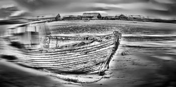 Лодка. / Старая лодка.