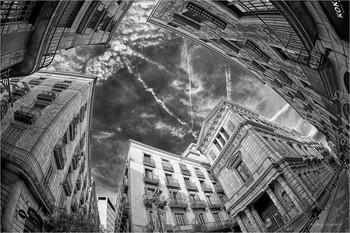 Падение в высоту... / небо в городе