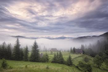Дземброня / Дземброня - высокогорное село в Верховинском районе Ивано-Франковской области Украины.