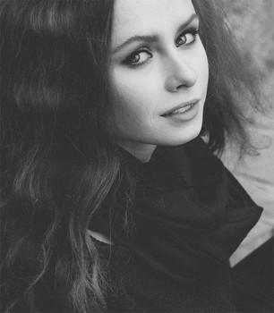 Юлия. Портрет в стиле ретро /