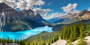 Среди Скалистых Гор / Панорама долины озера Пейто, Национальный парк Банфф, Канада