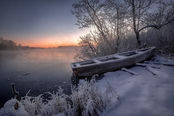 В морозном тумане / На берегу шатурского озера