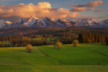Spring evening in Tatras / Spring evening in Tatras