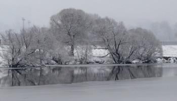 Выпал первый снег! / Первый снег укрыл все белым покрывалом!