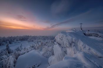 Крестовая на закате / Гора Крестовая, Губаха, Пермский край