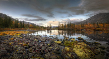 Сердце Хибин.. / Кольский полуостров, горный массив Хибины, долина реки Кунийок, Полигональные озера