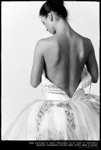 Она танцует , остальное тайна ... / без коментариев...