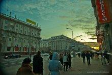 Закат на центральном проспекте / Может дать себе задание - взять, и выйти на целый день в город - с 6 утра и до 24 вечера - и снимать-снимать-снимать...