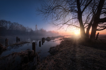 Апрельский туманный рассвет / Филипповское. Владимирская область.